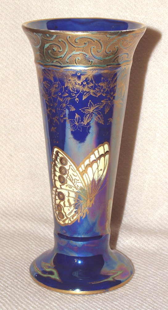 Trumpet vase Pansy Butterflies a